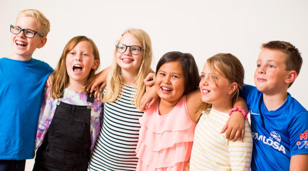 Barn som sjunger i barnkör. Foto Evelina Carborn 2017.