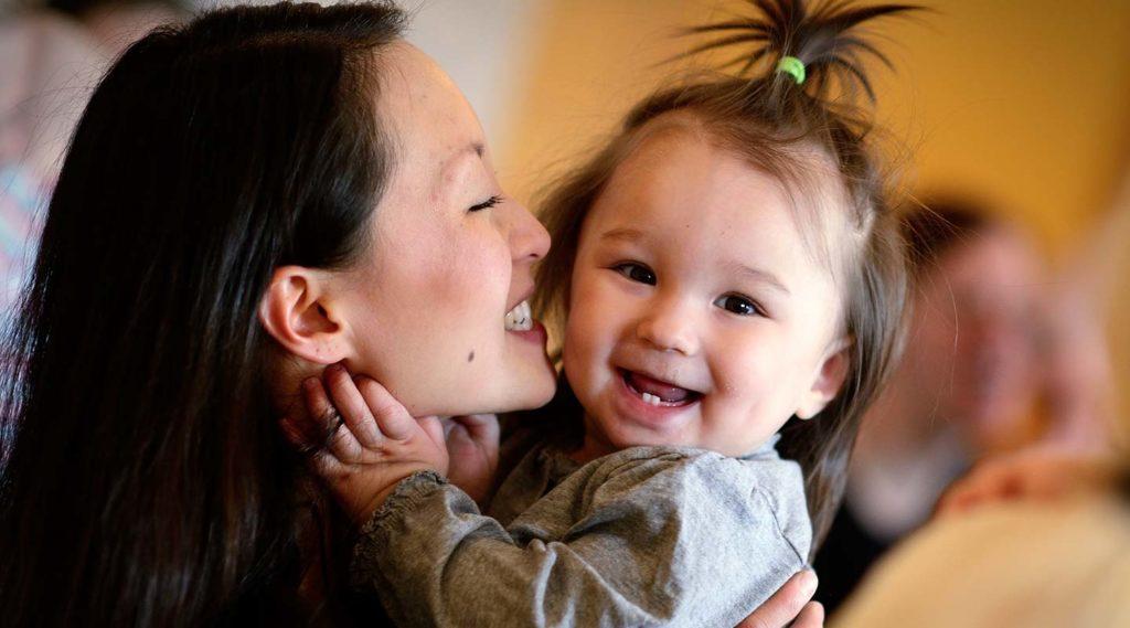 Mamma och barn. Foto Magnus Aronson/IKON.